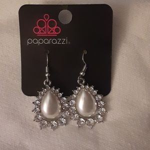 Paparazzi Pearl and rhinestone dangle earrings